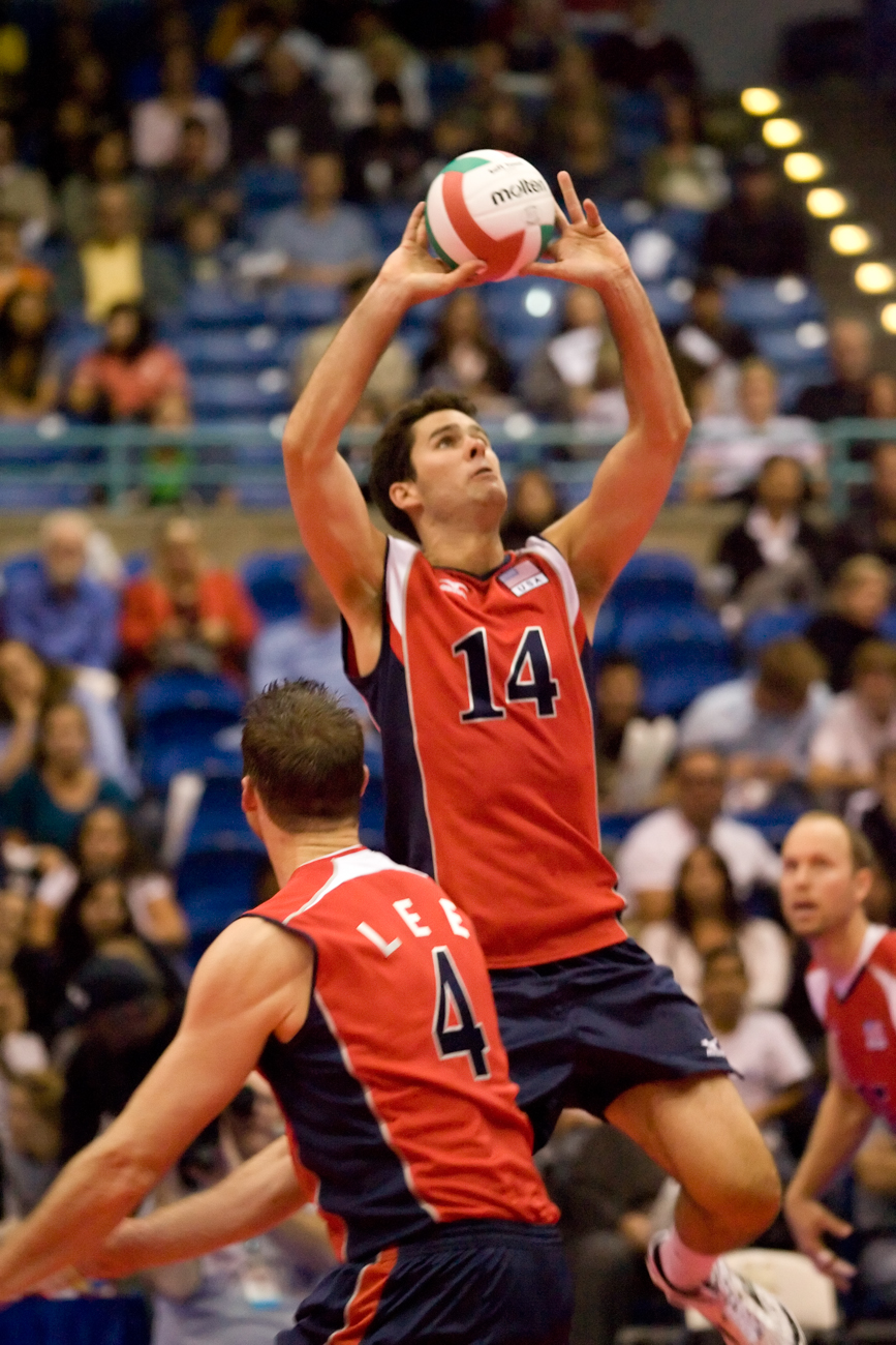 5-27-08_Uploads_USA_Volleyball_Roeder6