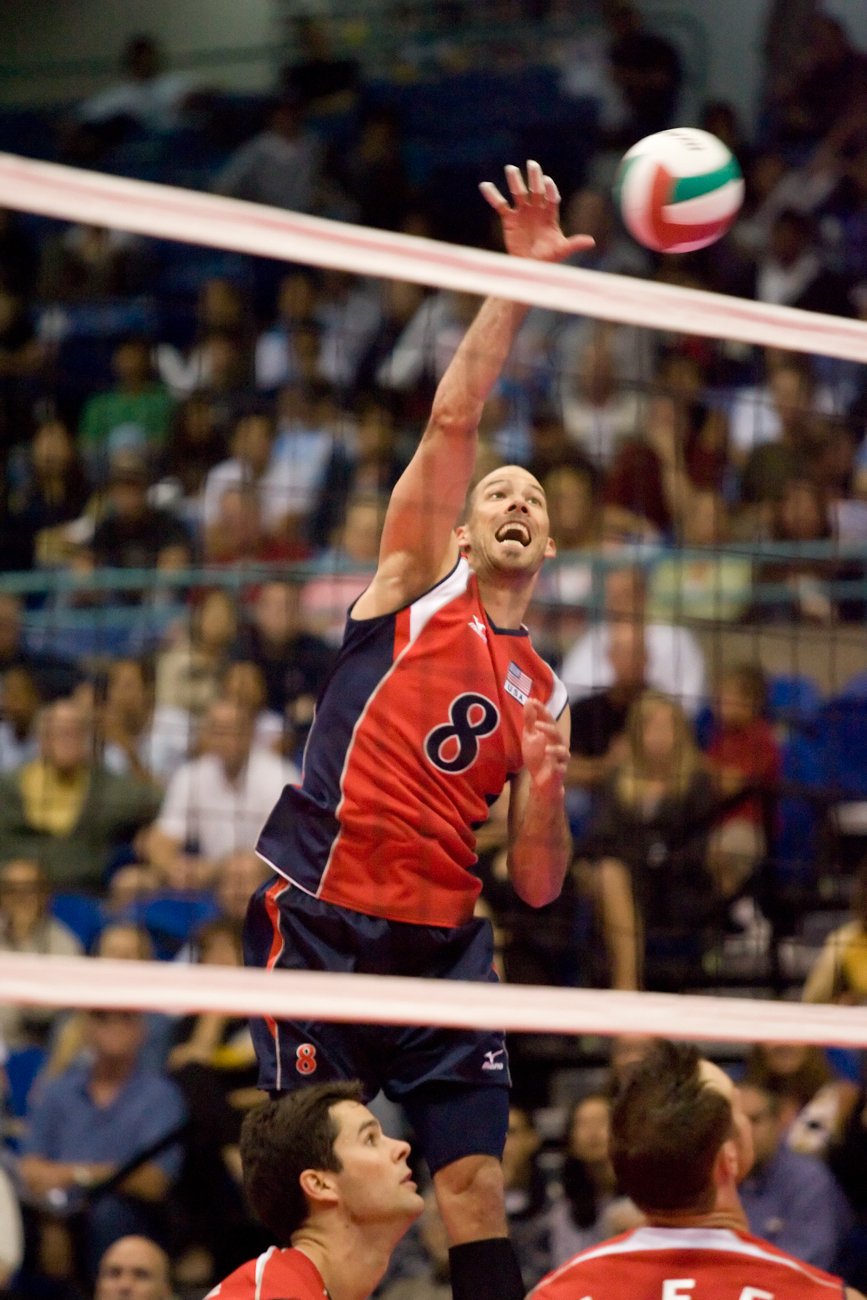5-27-08_Uploads_USA_Volleyball_Roeder7