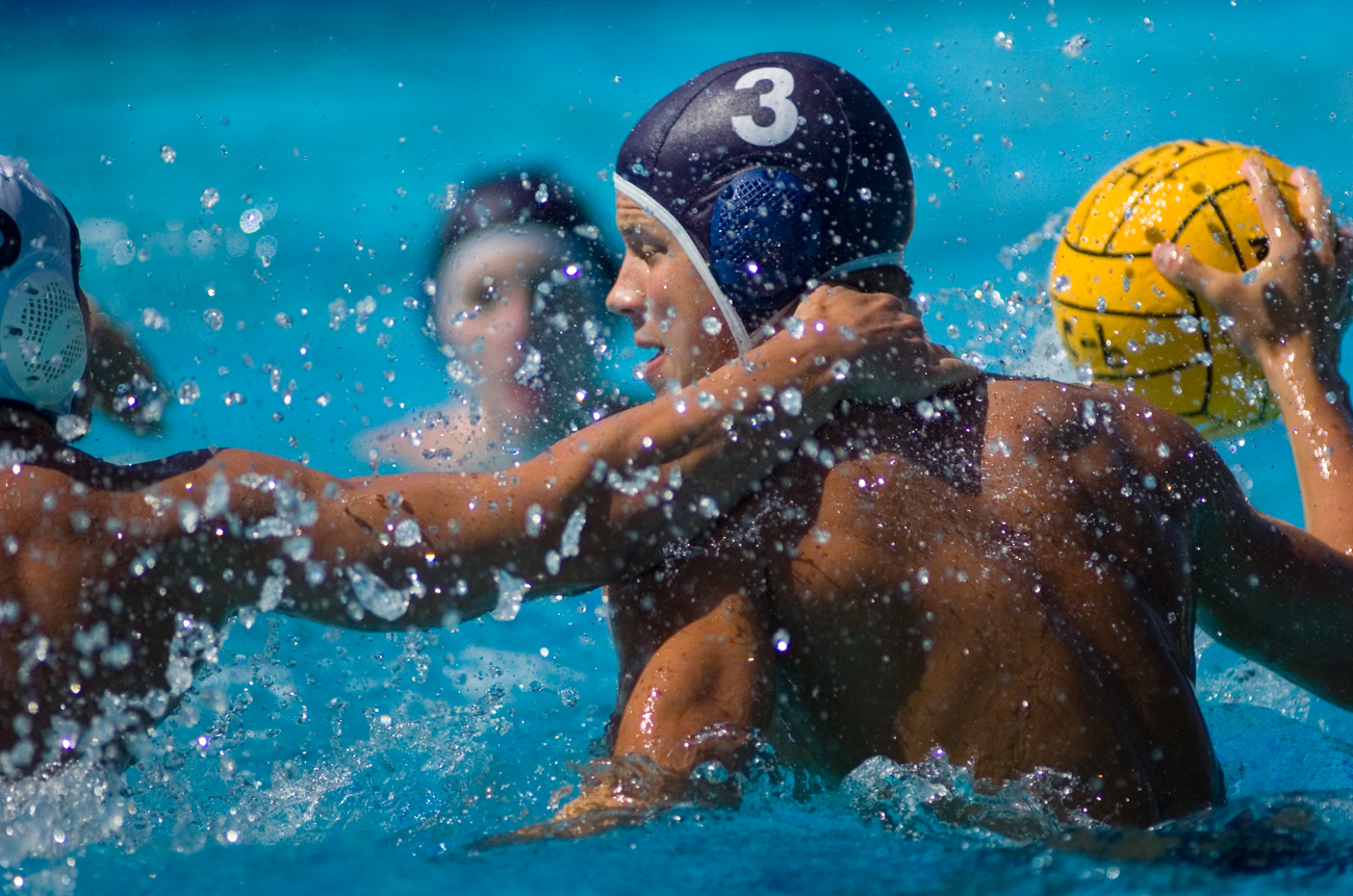 09-28-08_Uploads_Mens_Waterpolo_Roeder_1
