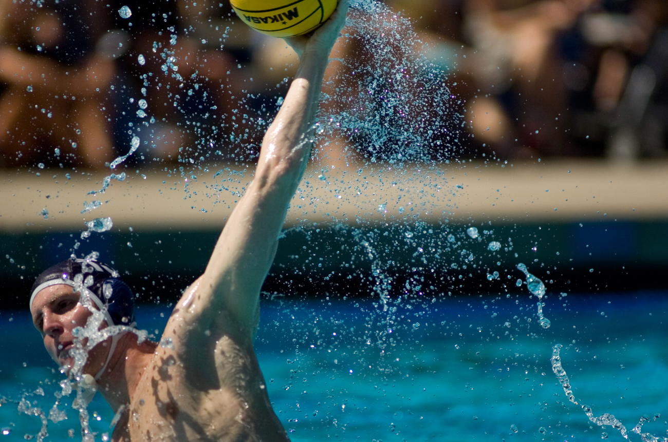 09-28-08_Uploads_Mens_Waterpolo_Roeder_2