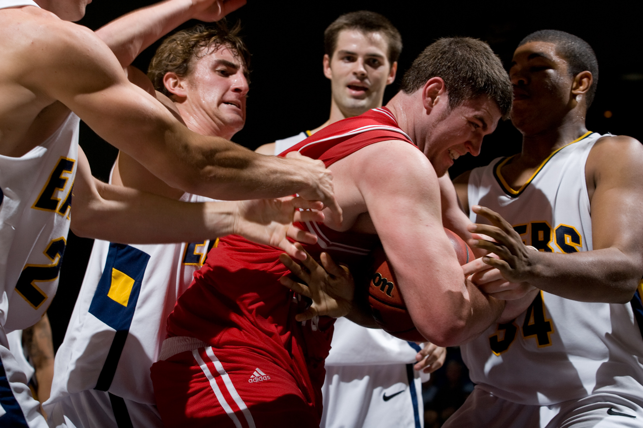 11-19-08_Mens_BBall_Roeder_96