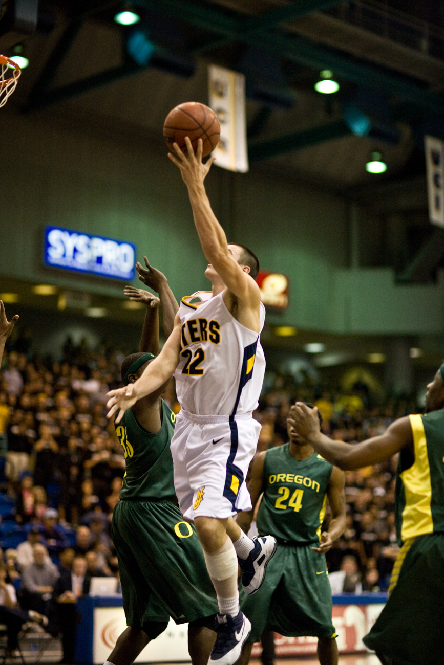 11-21-08_Mens_BBall_Roeder_269