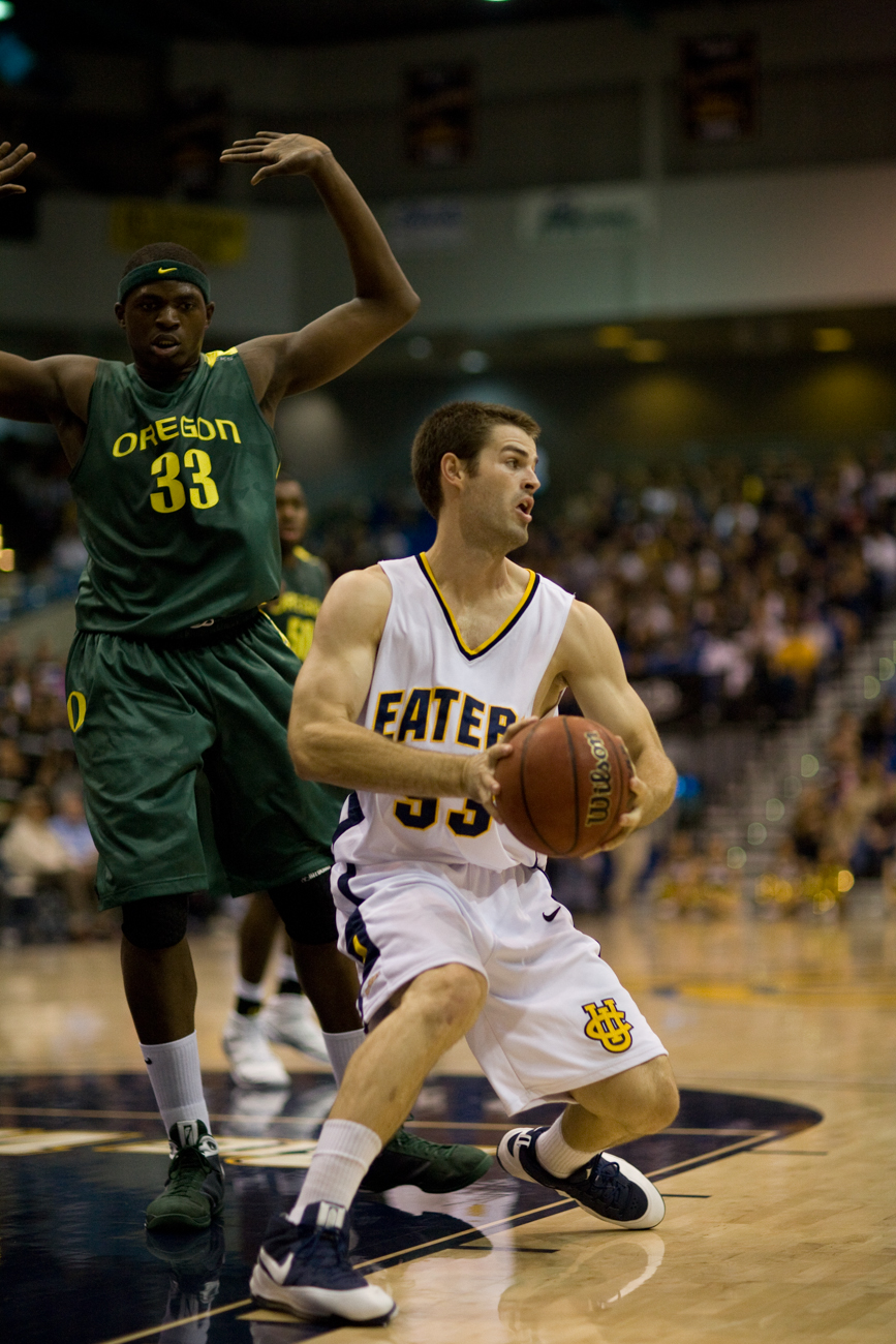 11-21-08_Mens_BBall_Roeder_278