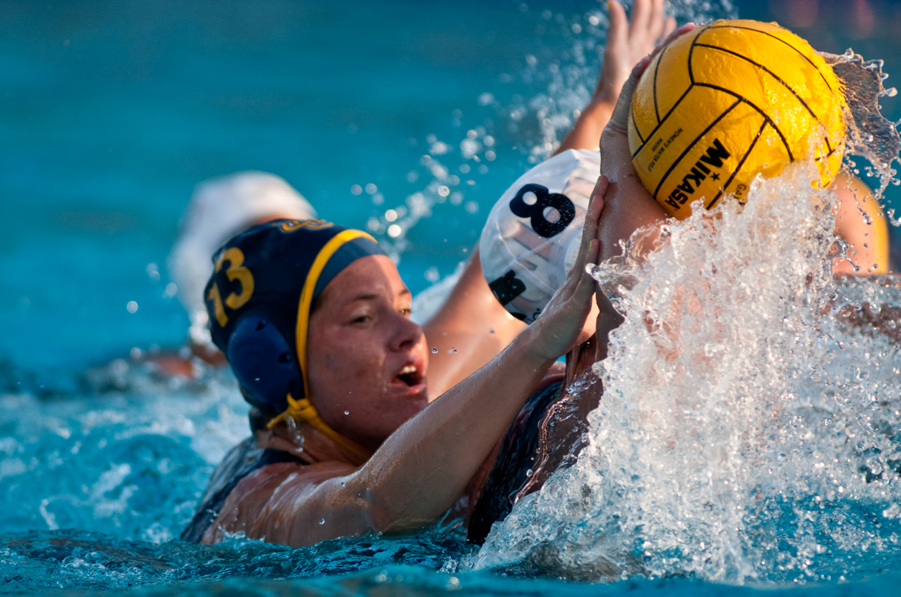 04-11-09_Womens_Waterpolo_Roeder_46