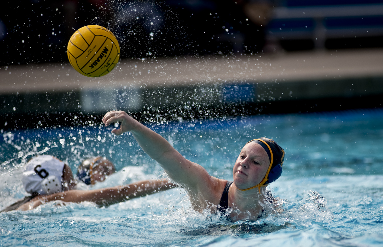 02-20-10_Uploads_Womens_Waterpolo_Roeder_4