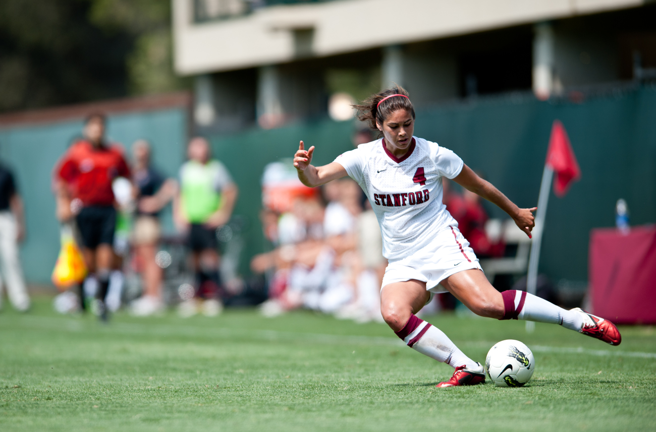 09-11-11_Womens_Soccer_ICO_Stanford_Roeder_41